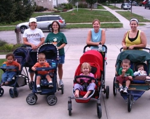 lincoln mommies walk